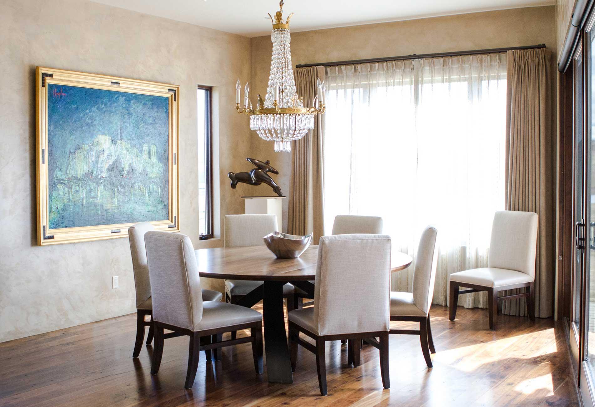 Black Bull residence dining room