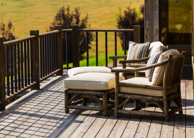 deck-bozeman-retreat-elizabeth-robb-interiors-1900x1080