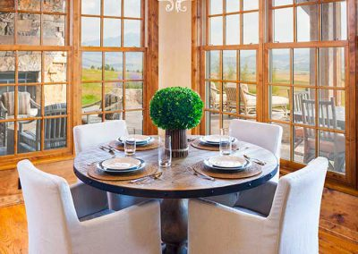 breakfast nook at the Bozeman Retreat designed by Elizabeth Robb Interiors