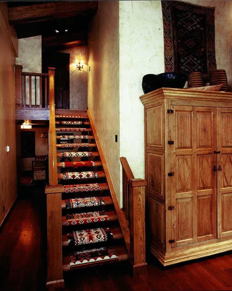 hallway-aspen-ranch-elizabeth-robb-interiors-800x1000