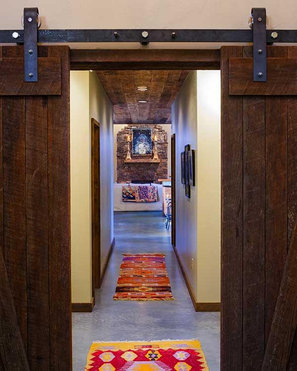 hallway-shields-river-elizabeth-robb-interiors-600x750