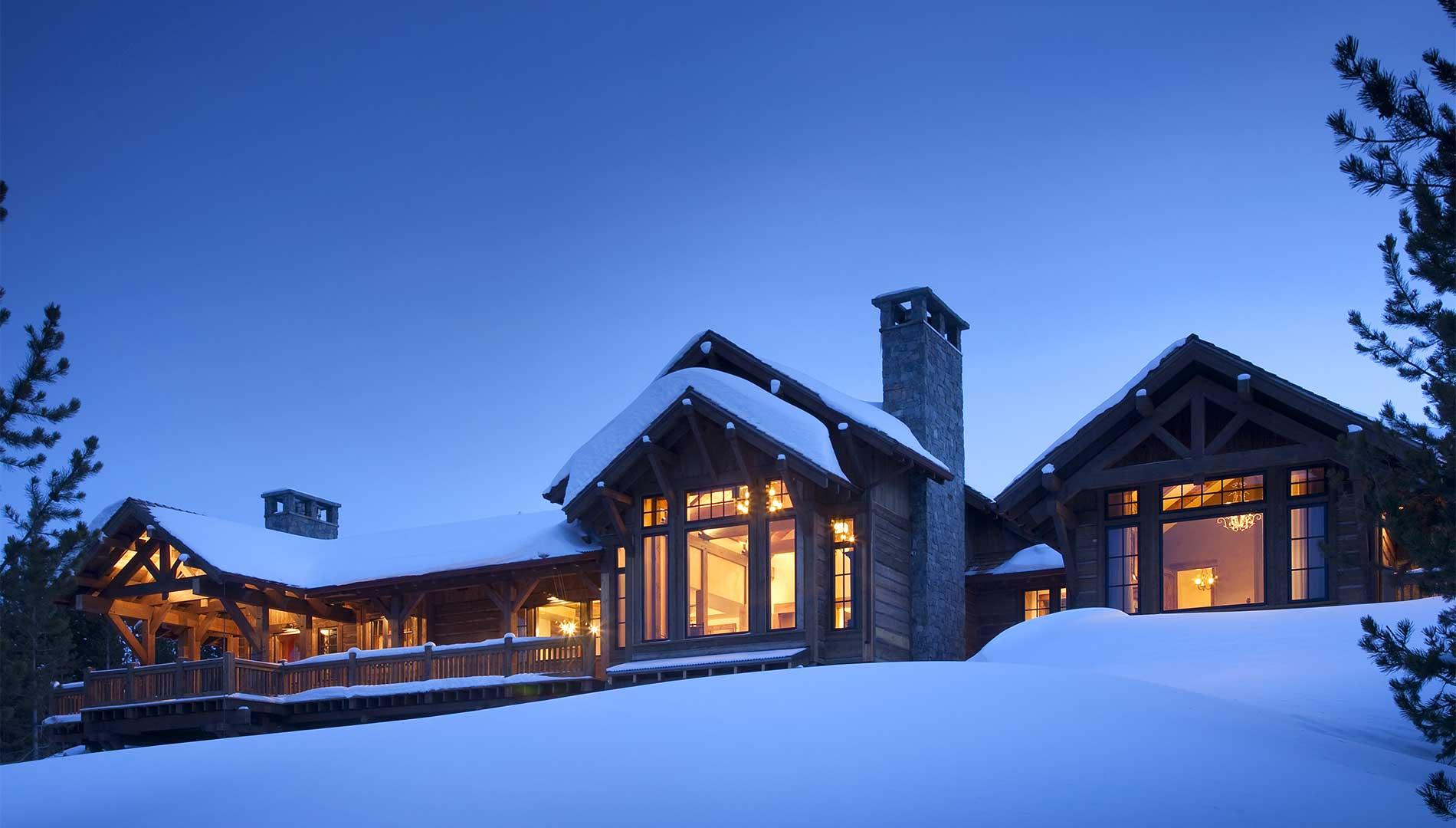 snowy-exterior-lights-spanish-peaks-elizabeth-robb-interiors-1900x1080