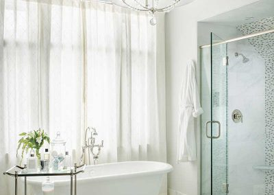 master-bathroom-moonlight-project-elizabeth-robb-interiors-800x1100