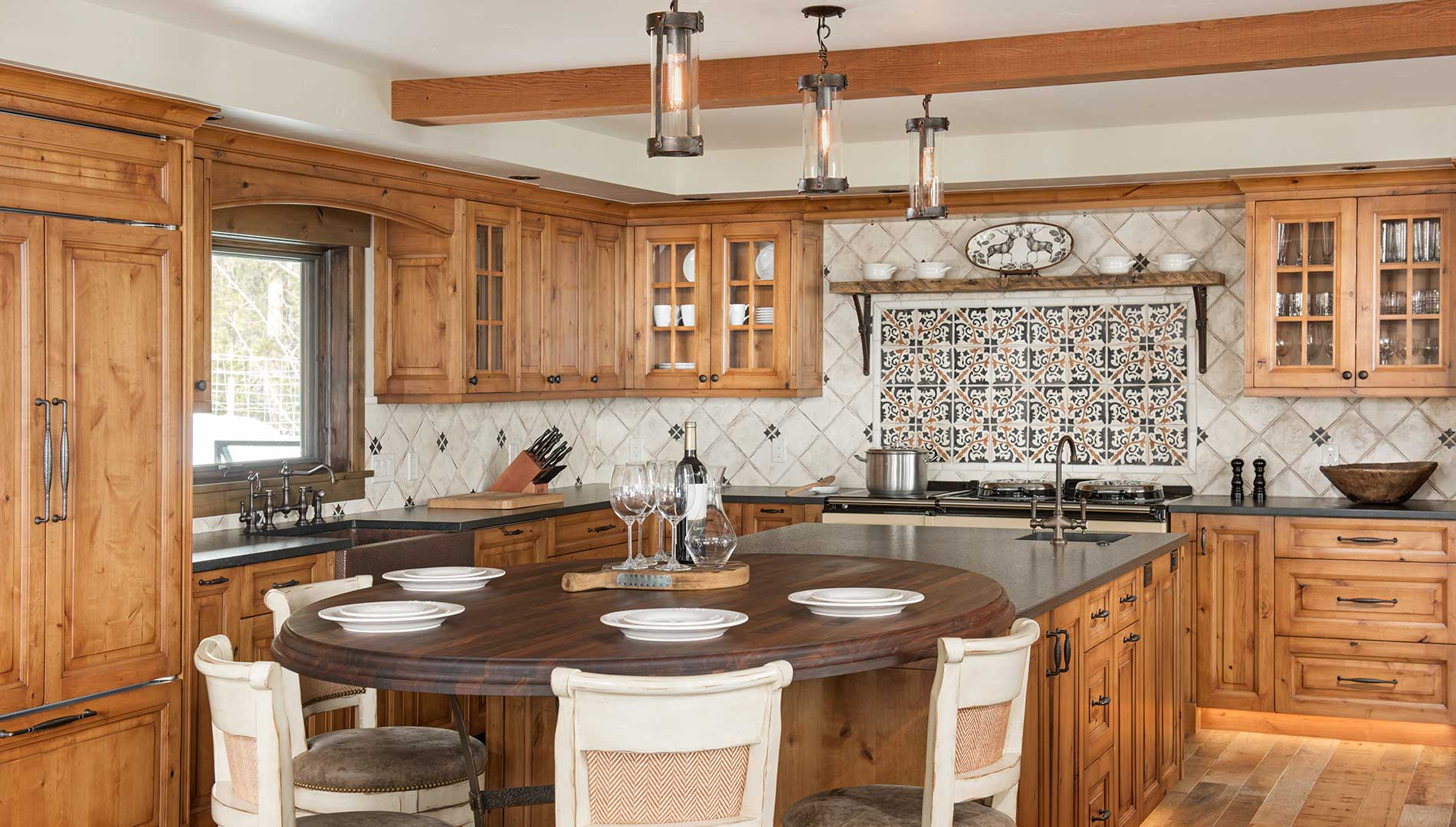 warm toned kitchen of Moonlight residence designed by Elizabeth Robb Interiors