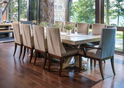 dining table in the Flathead Lake retreat by Elizabeth Robb Interiors